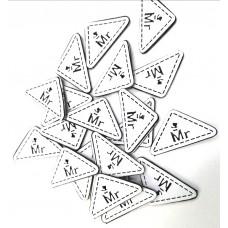 Нашивка треугольник белый Mr